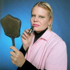 Paula Noronen Tarja Kulhona 2001.