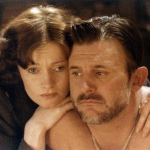 Irina Milan ja Esko Salminen Jaakko Pakkasvirran elokuvassa Pedon merkki (1981).