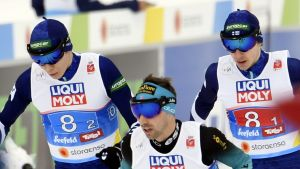 Eero Hirvonen och Ilkka Herola växlar i lagsprinten