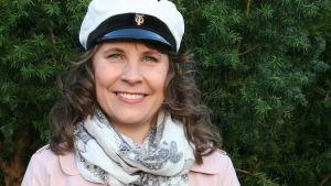 Maria Nylund är programvärd för valborgssändningen från Vårdberget i Åbo.