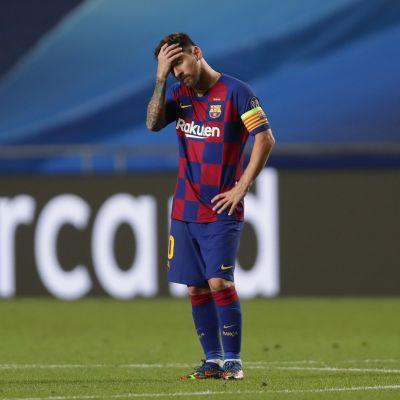 Barcelonan Lionel Messiä ei naurattanut, kun joukkue hävisi Bayernille 2–8.