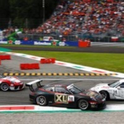 Autot törmäsivät Porsche Supercup-sarjan Monzan osakilpailussa 8. syyskuuta 2019.