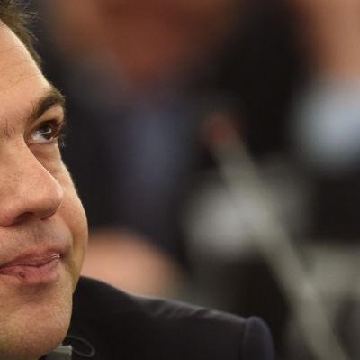 Tsipras grillades i europparlamnetet.