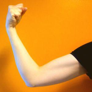 armmuskel som spänns
