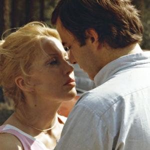 Sanna (Tea Ista) ja Peter (Paul Osipow) elokuvassa Haluan rakastaa, Peter