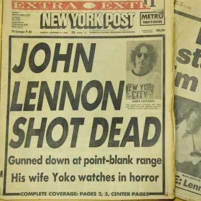 Kahden lehden kannet, joissa kerrotaan Lennonin murhasta.