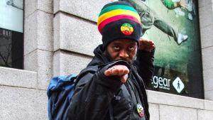 Reggaeartisti Teba Shumba kuvattuna Kapkaupungissa.