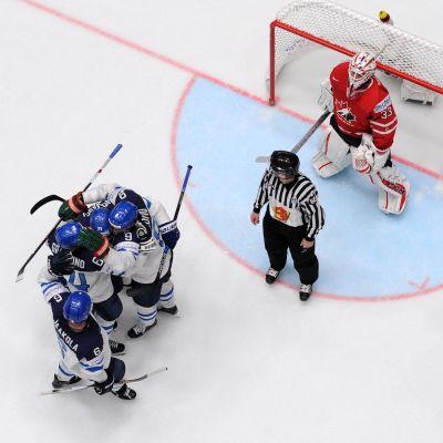 Samma domare dömer Finland-USA i finalen som i gruppspelet.