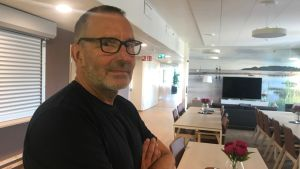 Teamledare Harry Holmberg vid Haga serviceboende i Nykarleby
