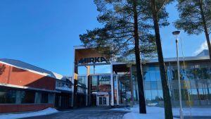 Företaget Mirka i Jeppo. Utomhusbild.
