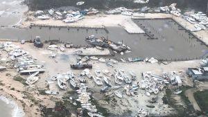 Massor båtar som har hamnat på land efter att orkanen Dorian dragit över Bahamas.