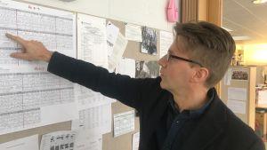 Rektor Peter Lindqvists elever är spridda på många håll i stan