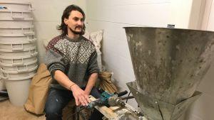 Patrik Laine malar loklproducerad malt till sin öl