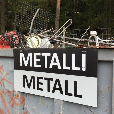 Flak för metallskrot.