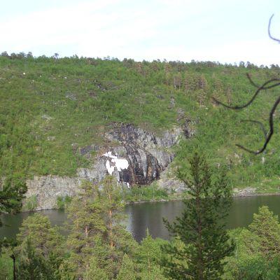 pahta eli kallio jossa paannejäätä kesällä