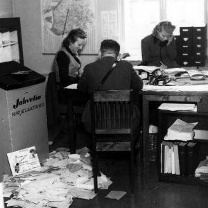 Jahvetin kirjelaatikko (1942).