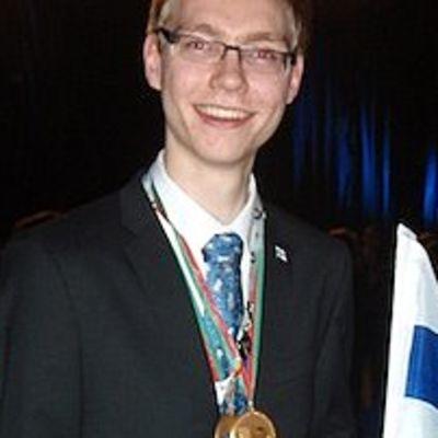 19-vuotias Teemu Mikkonen sai Portugalin ammattitaitokisoista mukavia tuliaisia, kaksi kultamitalia.