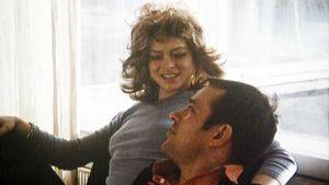 Jörn Donner ja Diana Kjaer elokuvassa Krapula (1973).