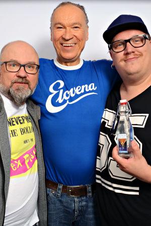 Juha Blomberg, Ilkka Vainio ja Arttu Wiskari seisomassa