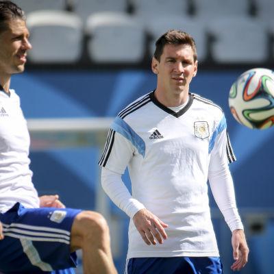 Martin Demichelis och Lionel Messi.