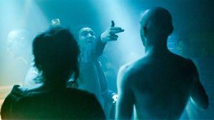 Hahmoja yössä. Sininen kohtaus saksalaiselokuvasta Victoria (2015).