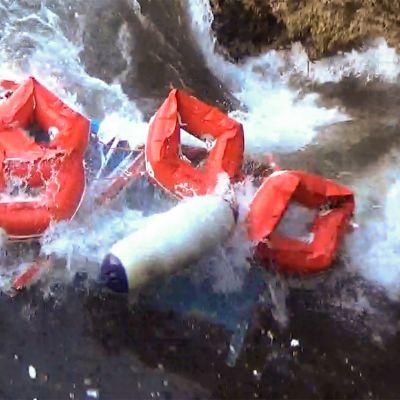 Gummibåtar efter ett skeppsbrott nära ön Lampedusa 24.11.2019