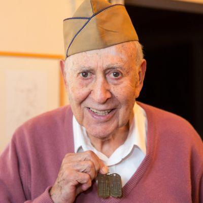 Yli puoli miljoonaa amerikanjuutalaista palveli Yhdysvaltain asevoimissa toisen maailmansodan aikana.