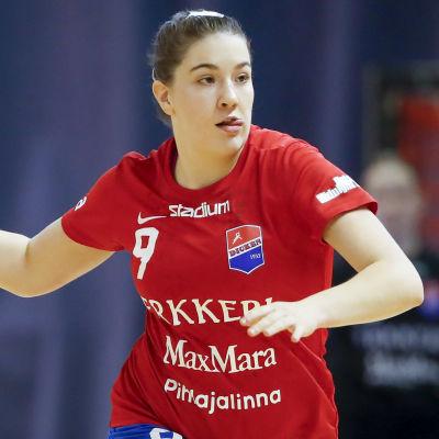 Anna Westerlund spelar handboll.