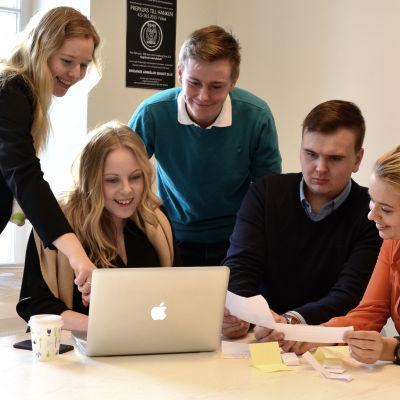 Svenska Handelshögskolans Studentkår i Vasa, Victoria Karlsson, Alina Söderman, Oliver Käld, Carl-Oscar Beijar, Jessica Kock.