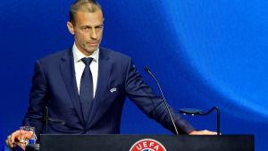 Uefas president Aleksander Ceferin talar.