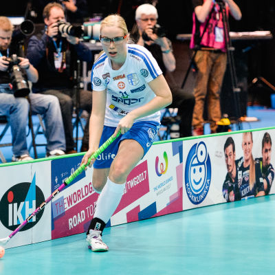 Nina Rantala spelar i Finlands innebandylandslag.