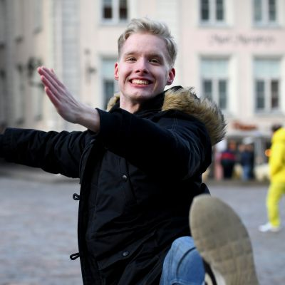 """""""Äiti, anna mä menen"""": Mikael Hagelstam muutti 13-vuotiaana ulkomaille tanssin vuoksi eikä välitä, kun virolaisvalmentajat huutavat hänen tuhlaavan vanhempiensa rahoja"""