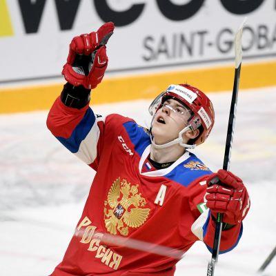 Venäläislupaus Rodion Amirov tuulettaa Ruotsia vastaan Helsingin EHT-turnauksessa 7.11.2020