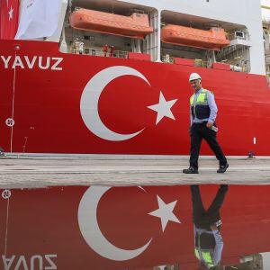 Det turkiska oljeborrningsfartyget Yavuz före avfärd mot cypriotiska vatten.