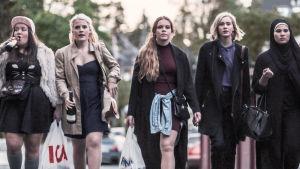 Chris, Vilde, Eva, Noora & Sana draamasarjassa Skam