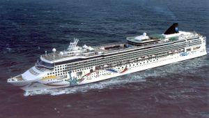 Kryssningsfartyget Norwegian Dawn stötte på grund norr om den brittiska ögruppen Bermudas i norra Atlanten. Arkivbild
