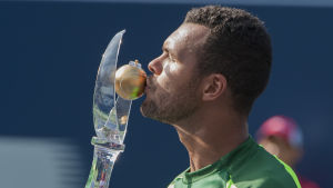 Tsonga kysser pokalen i ATP-Masters i Toronto 2014