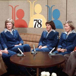 Lahden MM-kisojen kisastudiossa haastateltavina Taina Impiö, Marja-Liisa Hämäläinen, Hilkka Riihivuori ja Helena Takalo 1978.