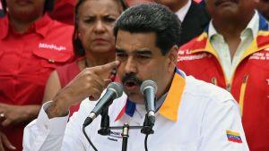 Nicolas Maduro håller tal.