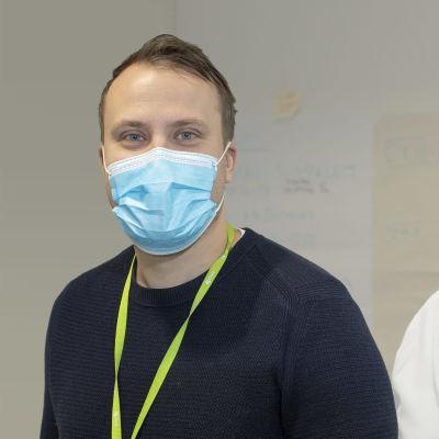 Kuntayhtymä Essoten terveyspalvelujen johtaja Santeri Seppälä ja pandemiapäällikkö Hans Gärdström