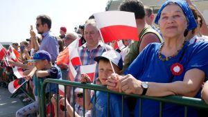 Varsovalaiset juhlivat Puolan perustuslainpäivää 2018
