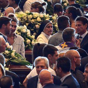 Bild från den statliga begravningen för brokollapsen i Genua i augusti 2018.