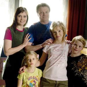 Parasta aikaa -sarjan Heinosen perhe.