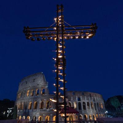 Via Crucis på långfredagen i Rom.