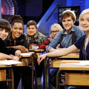 Galaxin uudet vuoden 2011 juontajat Mimosa, Dineo, Robert, Womma, Ronja ja Ella.