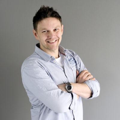 Robban Nilsson arbetar för Svenska Yle
