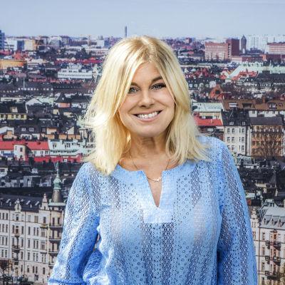 Pernilla Wahlgren fotad uppe vid Sollidenscenen på Skansen.