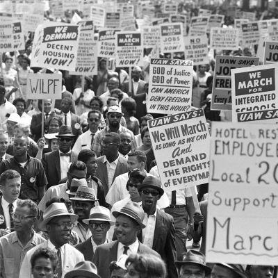 Vuonna 1963 Martin Luther King tukijoineen järjesti protestimarssin Washingtoniin vapauden ja työpaikkojen puolesta. Yle kuvapalvelu / NARA/ Smoking Dog Films