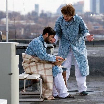 Artur (Mehmet Kurtulus) ja Tom (Mart Müürisepp) elokuvassa Vasha