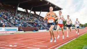 Topi Raitanen löper i Joensuu 2019.